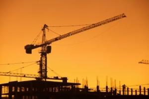 Eine Bauherrenhaftpflichtversicherung kann im Notfall den finanziellen Ruin des Bauherren verhindern