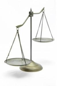 Eine Rechtsschutzversicherung übernimmt im Schadensfall die Kosten eines Gerichtsprozesses