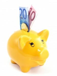 Durch ein kostenloses Girokonto kann man sich die Kontoführungsgebühren sparen.